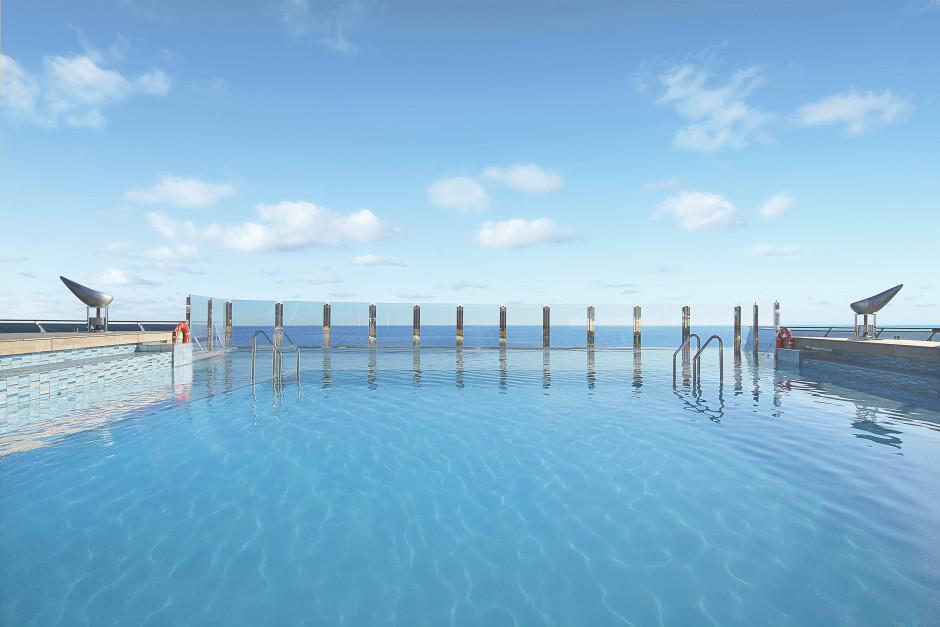 Swimmingpool MSC Divina
