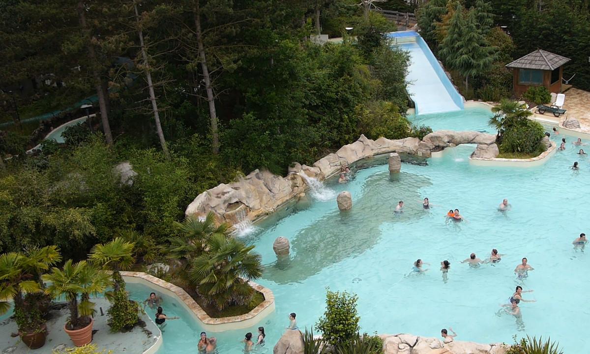 Udendørs pool på badeland Le Bois Francs