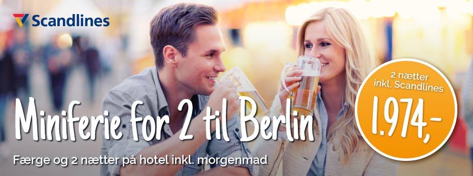 Par drikker øl i Berlin