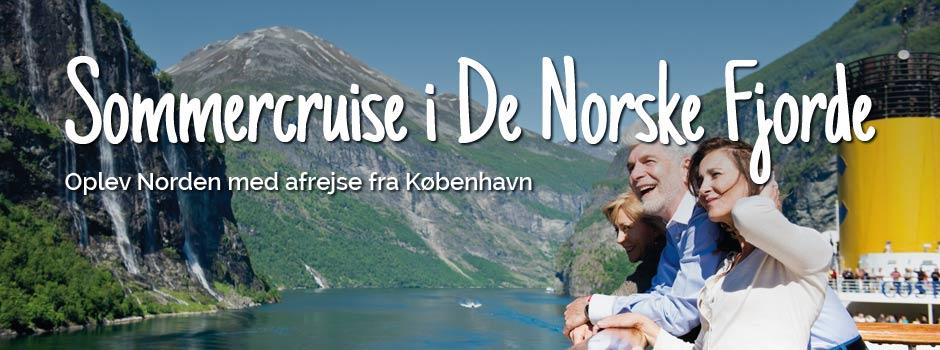 Tre personer på dækket kigger på fjorden