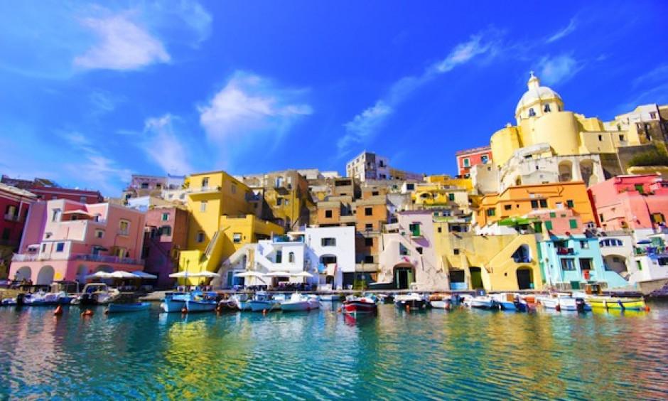 Napoli - Farverige huse ved kysten