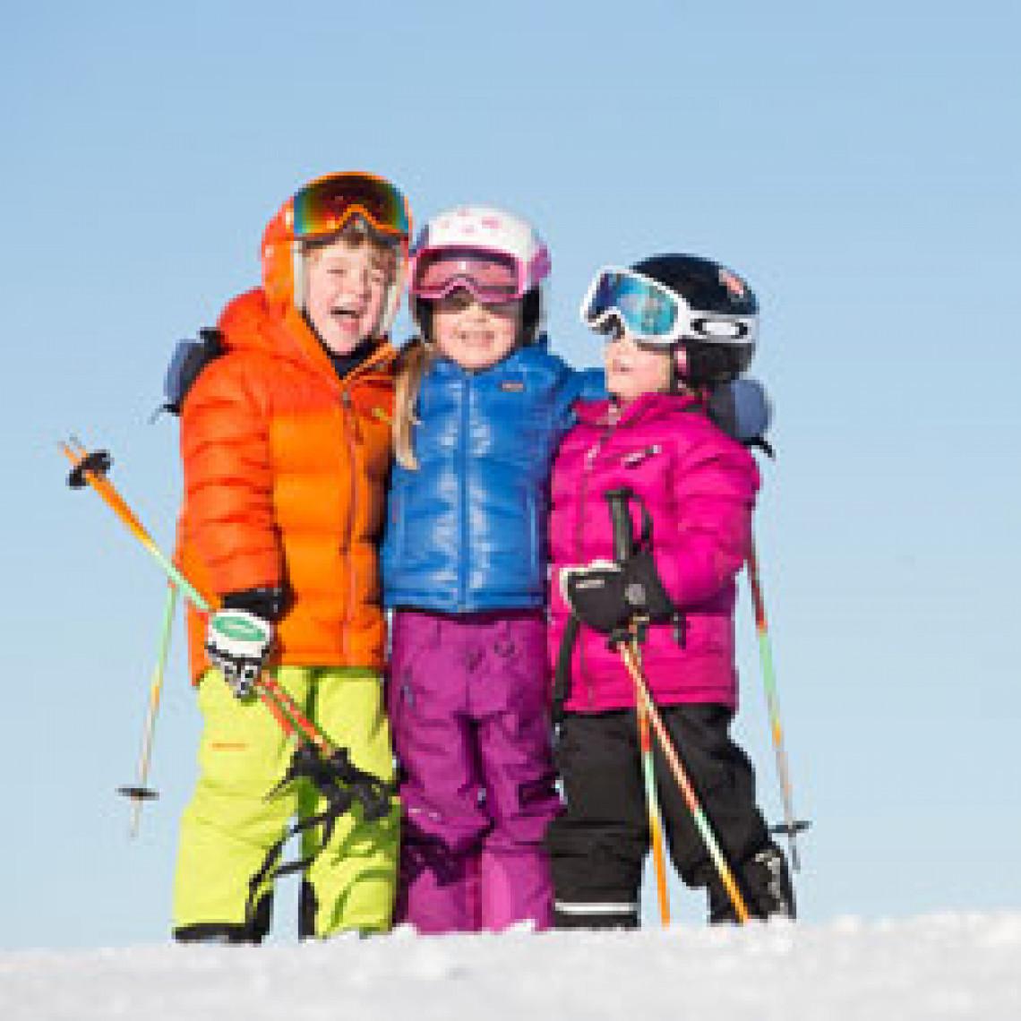 Børn i skiudstyr