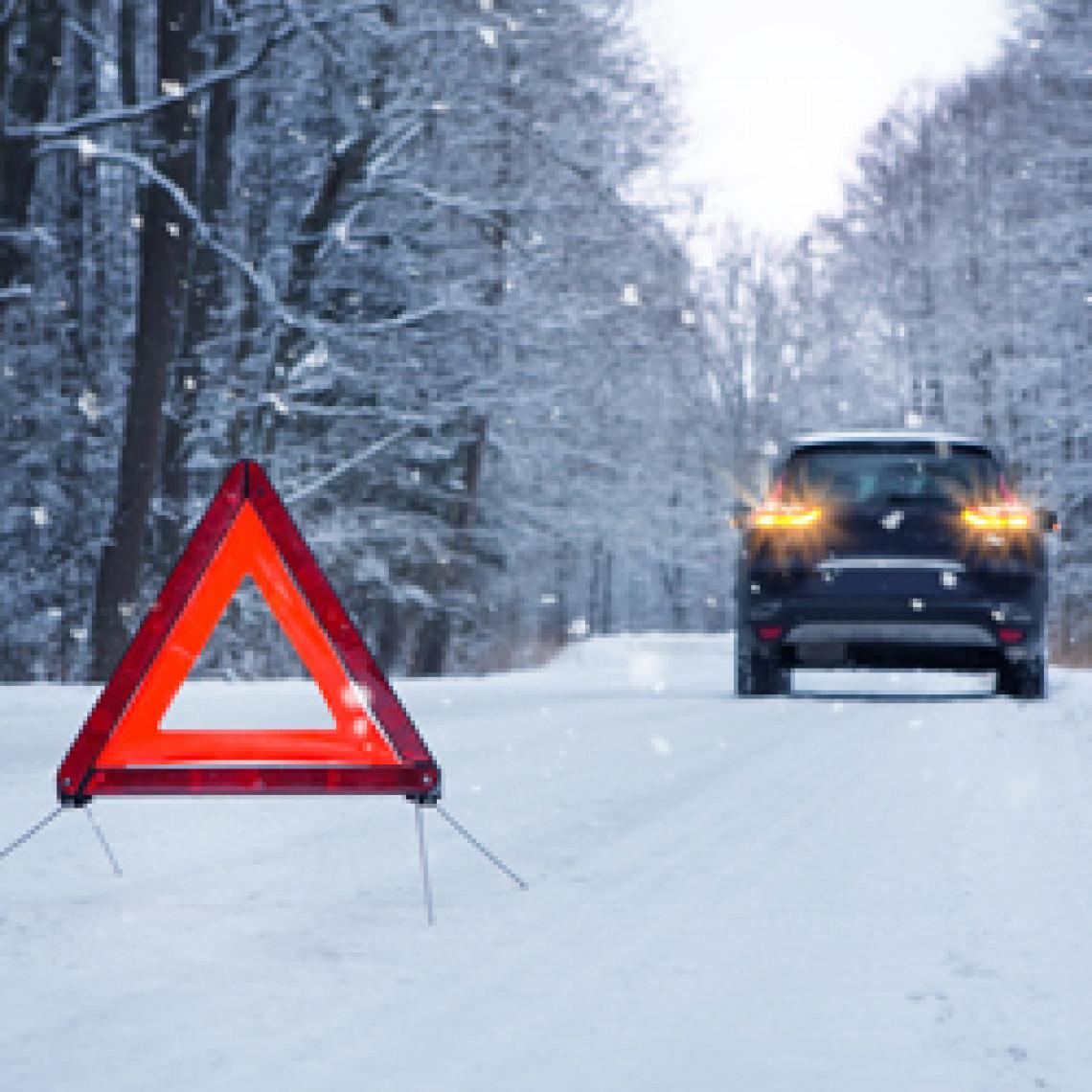 Advarselstrekant på vejen