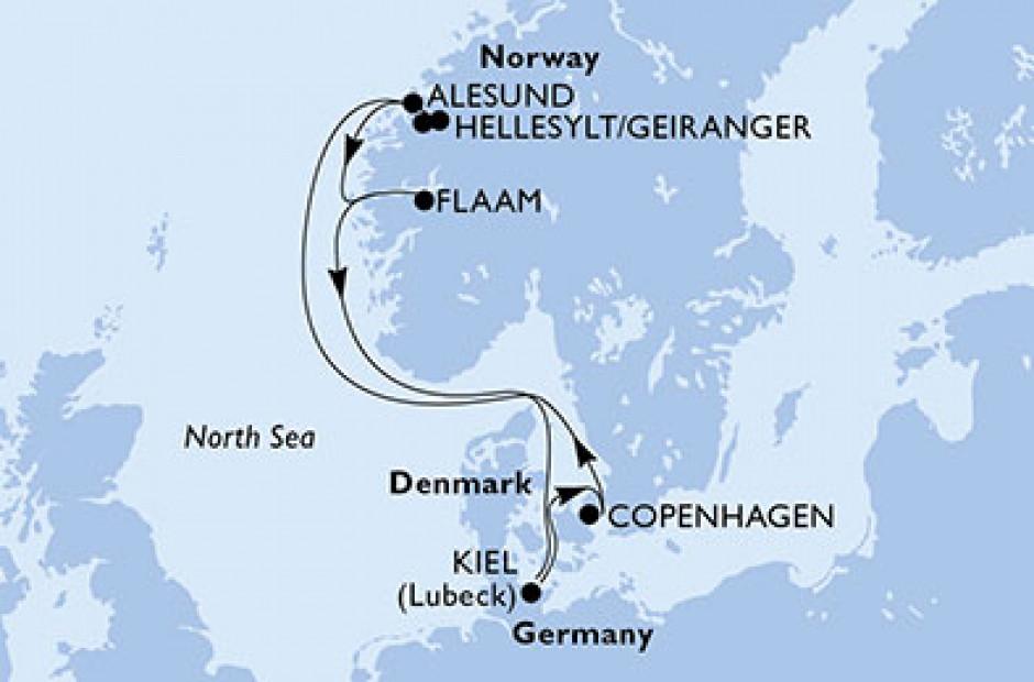 Ålesund - havn og farverige huse