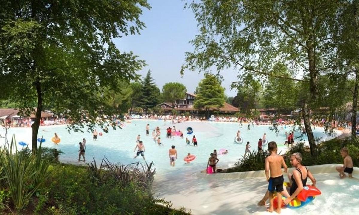 Skønt poolområde ved Camping Altomincio