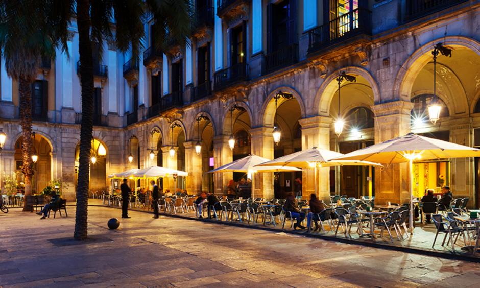 Barcelona - Hyggelig restaurant ved aften