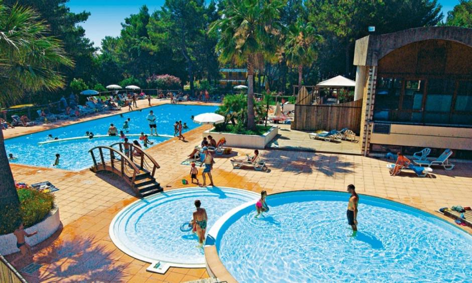 Les Jasmins - poolområde