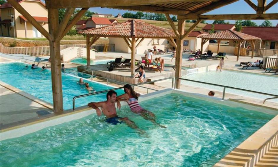 Les Portes de Dordogne - poolområde