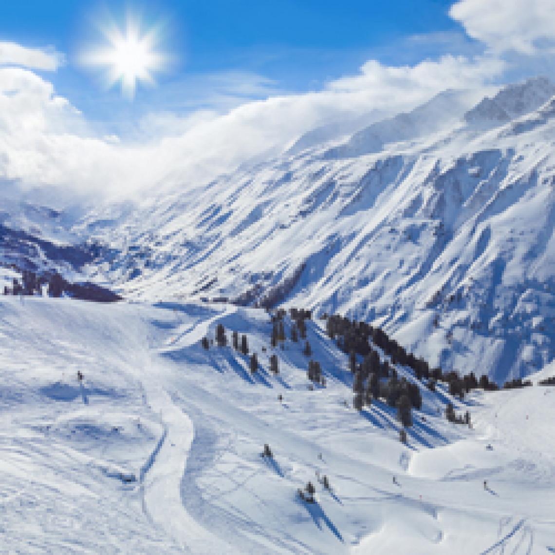 Snedækket bjerge i Østrig