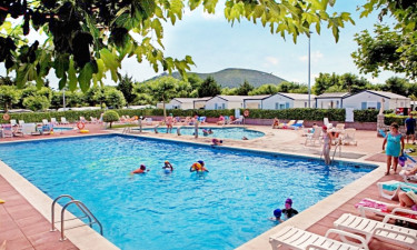 Pool Camping Playa Joyel in Kantabrien