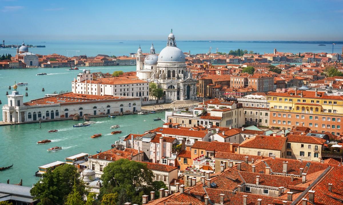 Tag paa udflugt til smukke Venedig