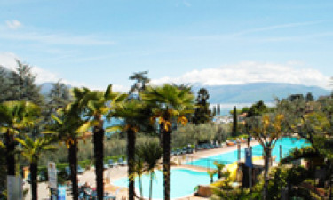 Campingpladsens populære pool