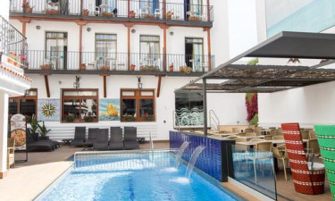 Hotel Neptuno / Neptuno Apartments med pool