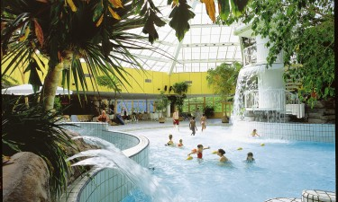 Badelandet Zandvoort - Subtropisk swimmingpool med palmer