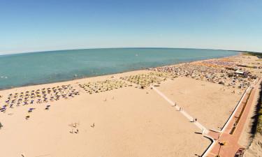Basen, plaża i udogodnienia