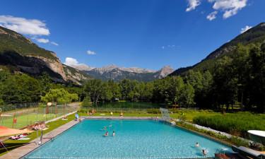 Idyllisk poolområde
