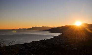 Den Italienske Riviera kyst ved Pietra Ligure