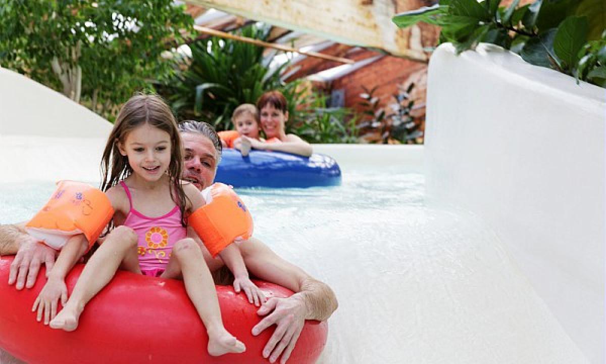 Aqua Mundo - Familie i vandrutsjebane