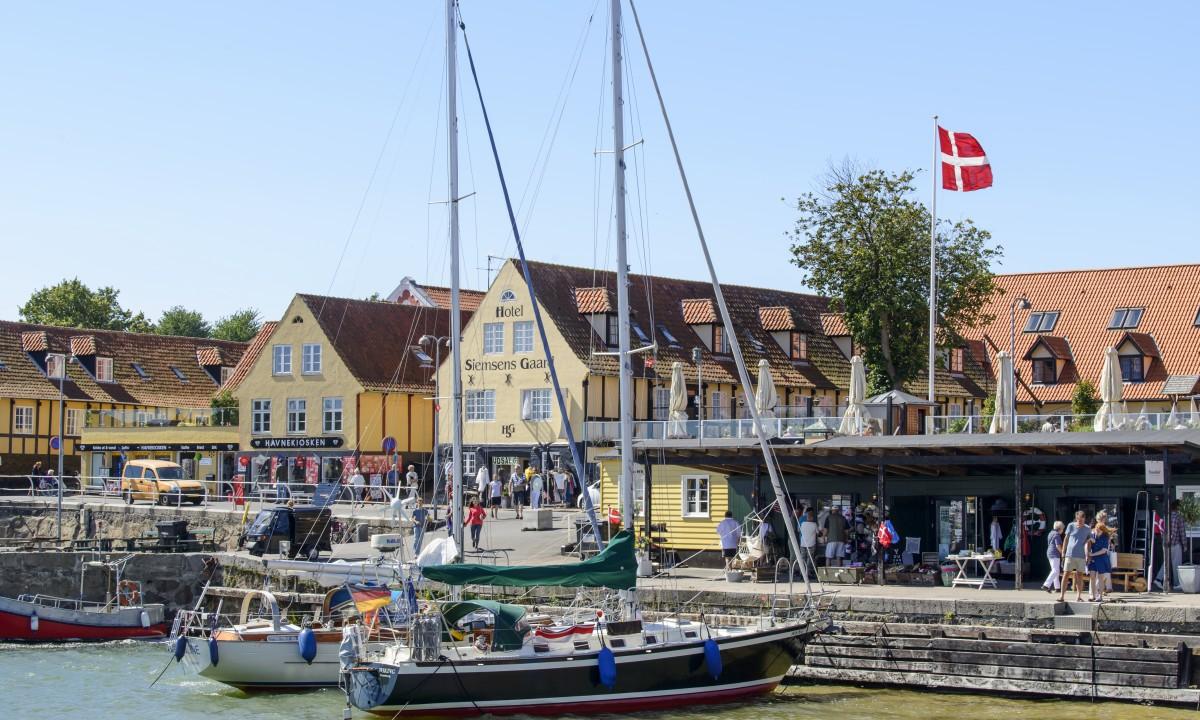 Roenne paa Bornholm - Havn fuld af liv