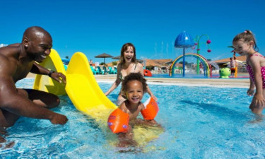 Pool Camping les Charmettes in Charente Maritime