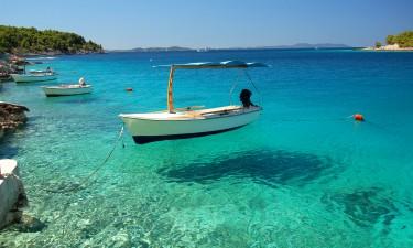 Krystalklart hav i Kroatien