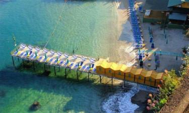 Gocce di Capri - Strand ved klippeskråning