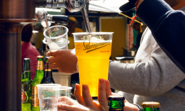 Øl i baren