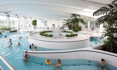Besøg det store indendørs- og udendørs badeland
