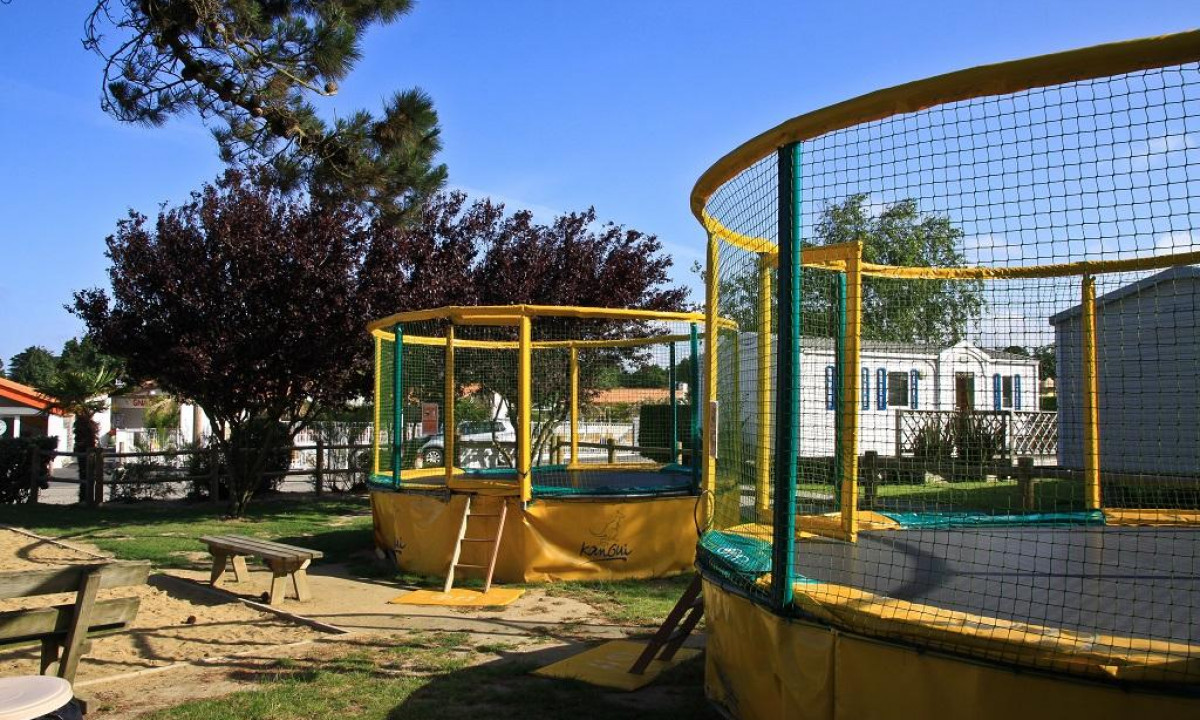 Pladsens trampoliner