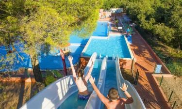 Formidabelt poolområde med sjov for hele familien