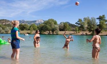 Bad i smukke omgivelser eller nyd den indendørs pool