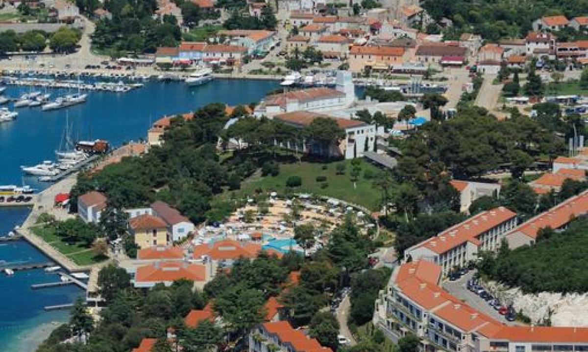 Luftfoto af Belvedere og Vrsar