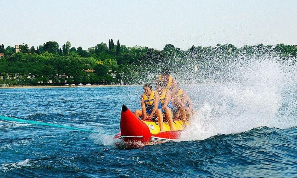 Gardasøen - Familie på bådtur