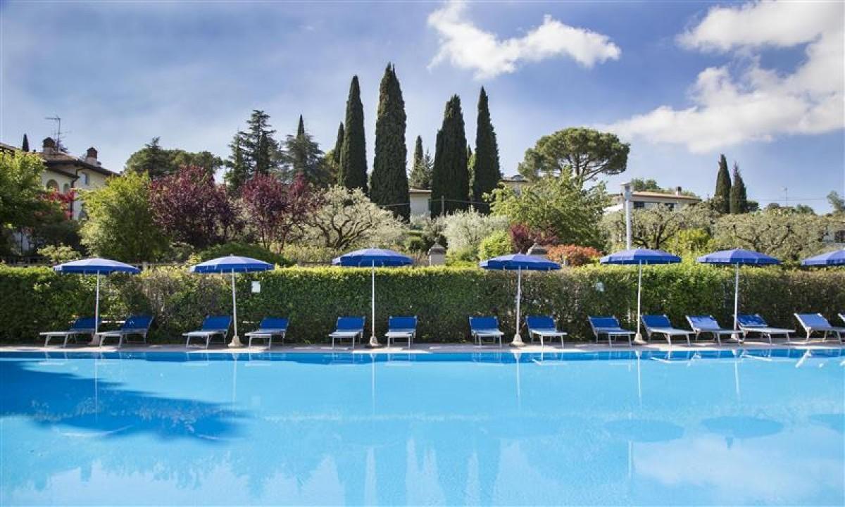 Park Hotel Casimiro Village i Italien - Udendoers swimmingpool