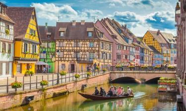 Hyggelige huse og kanaler i Strasbourg i Alsace