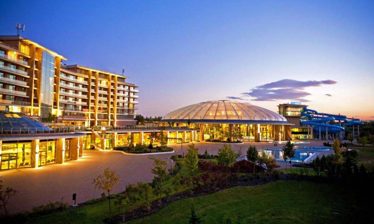 Hotel Aquaworld Resort - Badeland og hotel i grønne omgivelser
