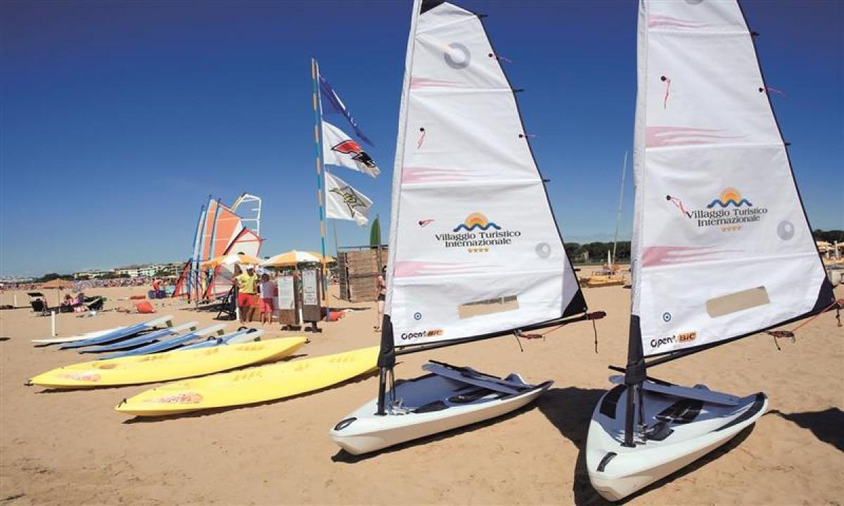 Windsurfing på stranden