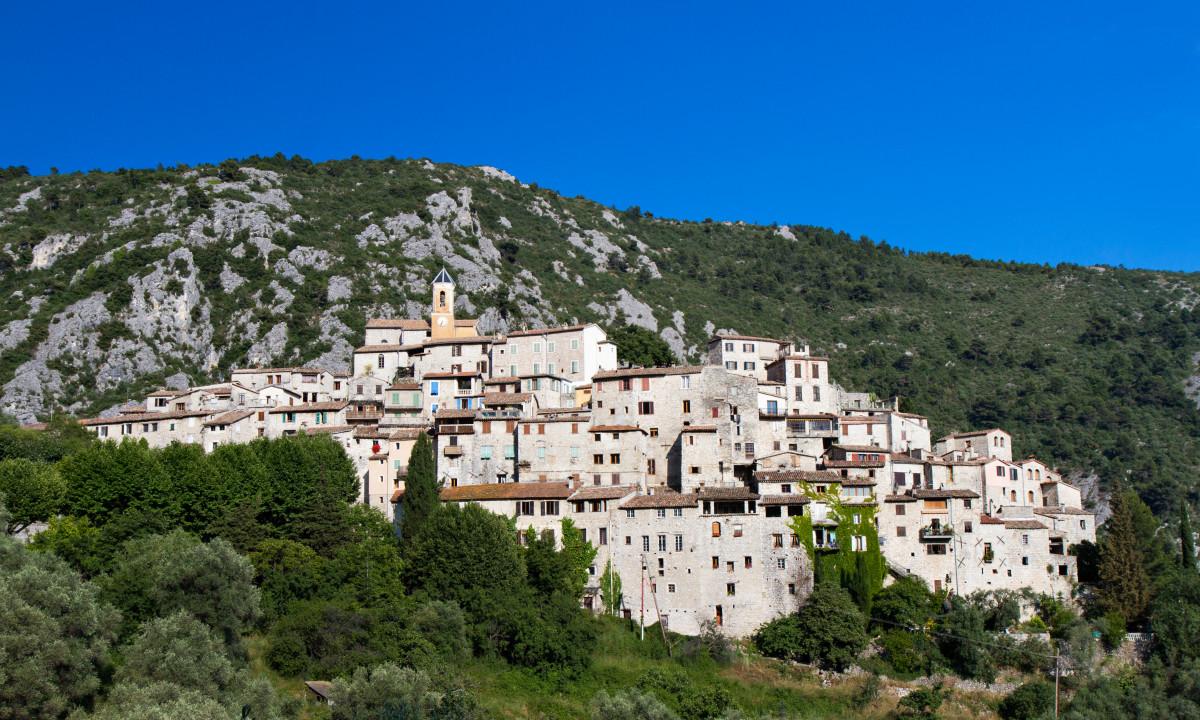 Den gamle by Peillon i Côte d'Azur