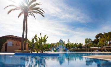 Nye swimmingpools og hvide strande