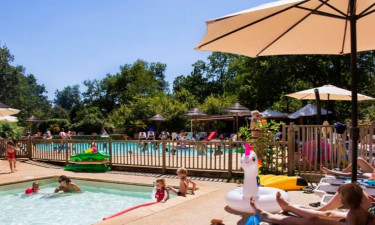Pool Camping Le Pech Charmant in der Dordogne