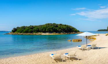 Flere dejlige strande og et fantastisk poolområde