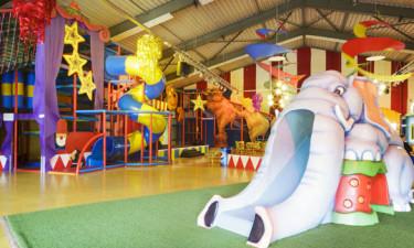 Timevis af sjov for børnene på feriestedet