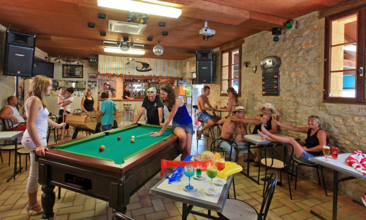 Bar med underholdning