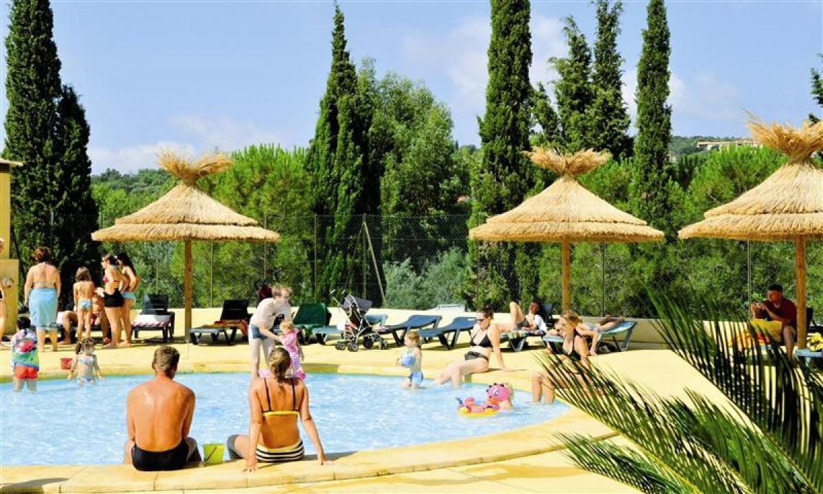 Afslapning i poolområde