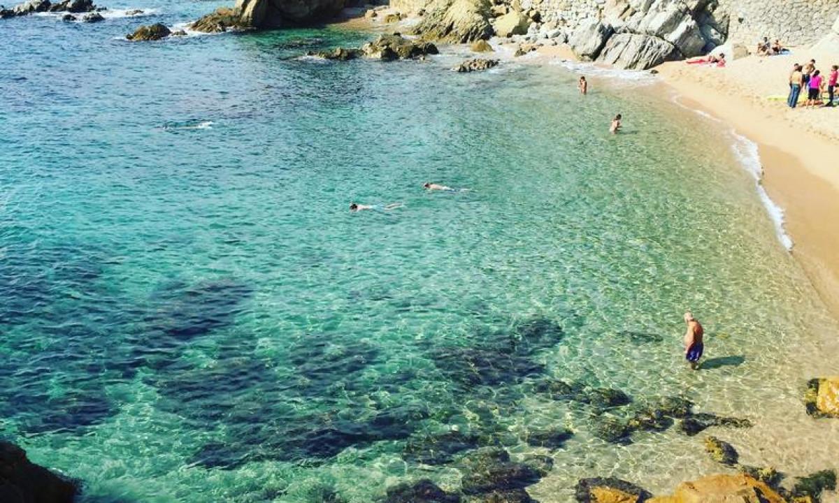 Stranden taet paa Els Llorers