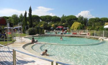 Stor, børnevenlig pool finder du hos Camping Italia
