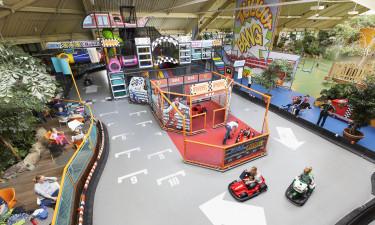 Biler med unger indendørs