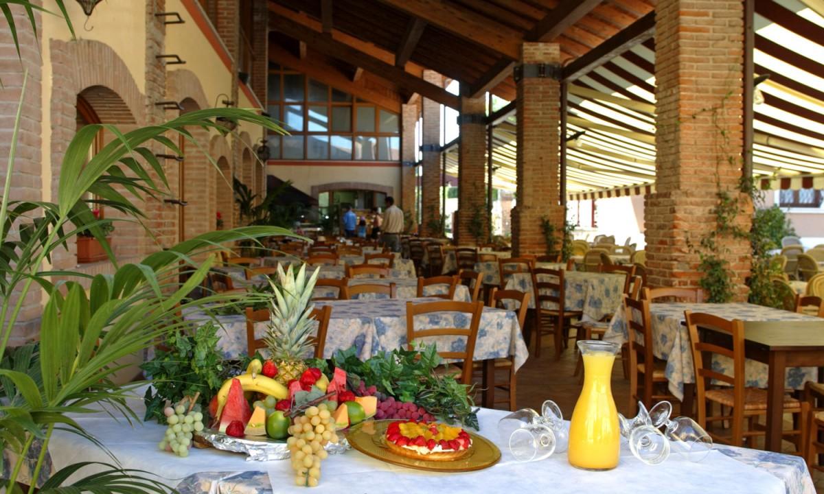 Bella Italia - Restaurant på pladsen