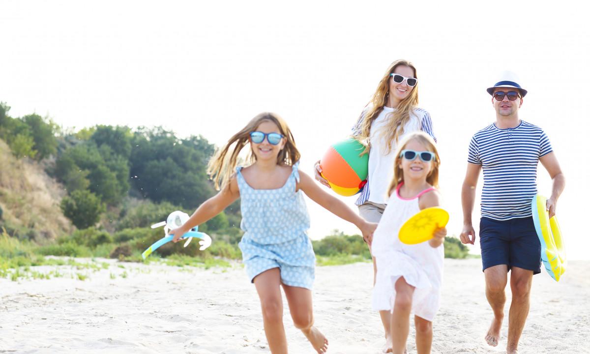 Ferie - Familie på stranden