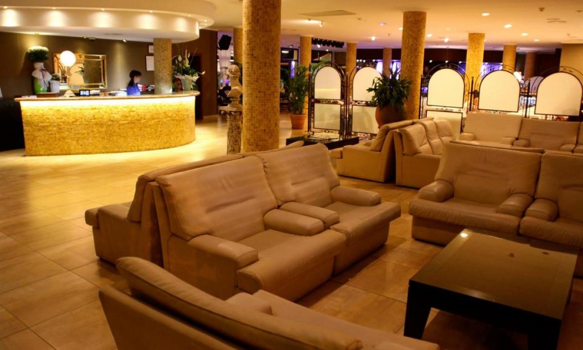 Reception og lobby paa Miami Park